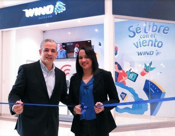 Wind Telecom abre oficina 41 en Carrefour
