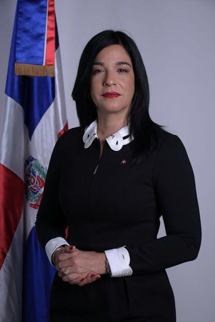 JANET BLANDINO: Nueva cónsul general dominicana en la costa oeste de EEUU. toma posesión