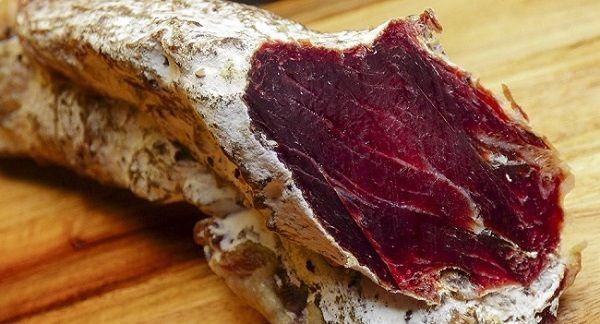 ¿Te atreverías a comer una carne de 100 años? Este bloguero la probó y sí, sigue vivo