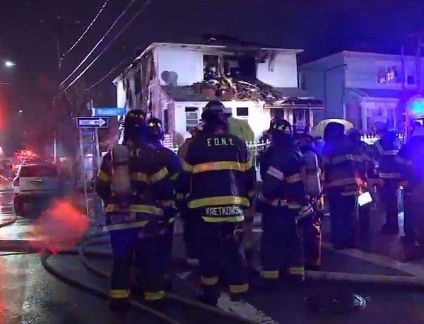 Mueren madre e hija en incendio de casa