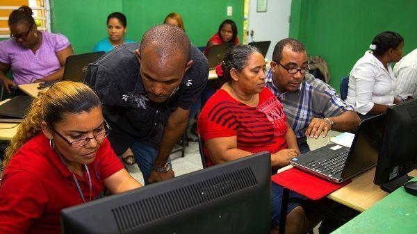 """República Digital Educación Superior convoca fase inicial de capacitación proyecto """"Uno a Uno"""""""