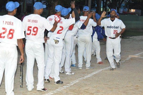 Indotel y Banreservas; Vicepresidencia y Miderec y se citan en semifinal delIV torneo sóftbol gubernamental