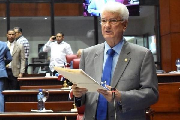 Wilton Guerrero pide renuncia director Policía; dice «no da pie con bola» frente delincuencia