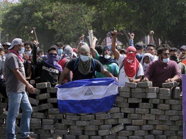 Oposición llama a más protestas