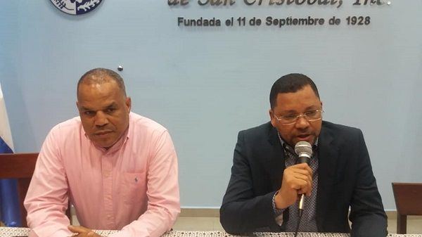 Cámara de comercio apela consenso en conflicto entre comerciantes «mercado de los muertos» y Alcaldía de San Cristóbal; favorece construcción parqueo municipal