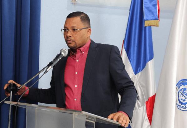 Presidente Cámara Comercio de San Cristóbal, Emmanuel Dionicio, Condena Violencia Contra La Mujer