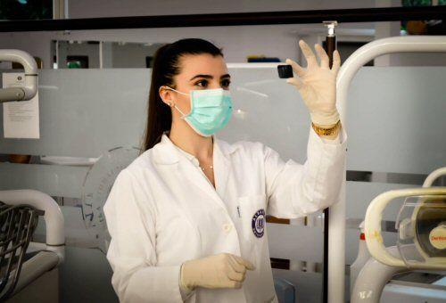Persisten los obstáculos para que las mujeres accedan a los altos cargos en ciencia