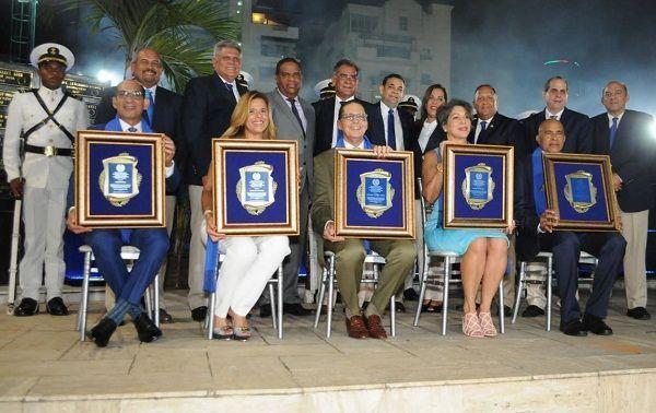 Club Deportivo Naco  inmortaliza a cinco notables deportistas