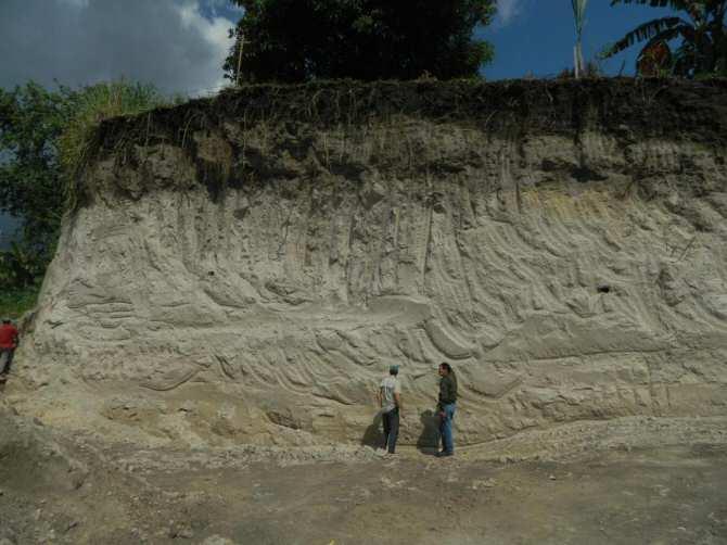 Una columna de ceniza volcánica de 49 kilómetros de altura se elevó sobre la civilización Maya