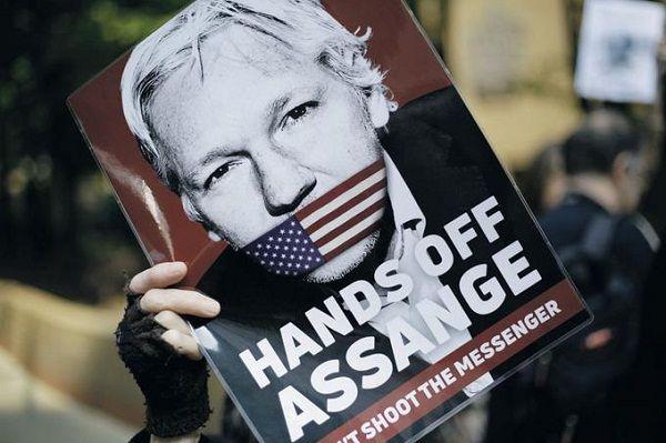 Estados Unidos acusa a Julian Assange de violar las leyes antiespionaje
