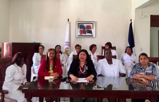 Las enfermeras paralizan labores hoy en los hospitales