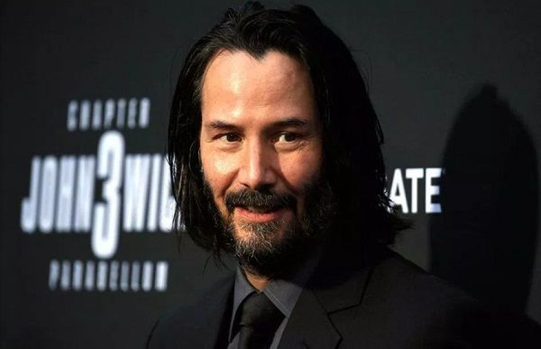 Keanu Reeves se quita la barba