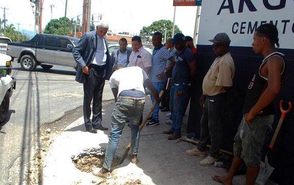 Alcalde Nelson Guillen supervisa puntos donde serán instalados nuevos semáforos en San Cristóbal