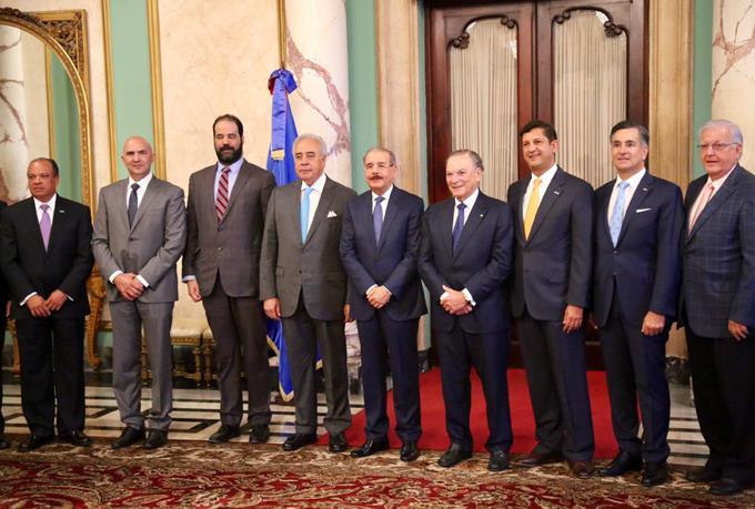Grupo empresarios valora políticas del presidente Medina