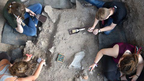 Identifican herramientas del Aziliense en la Cova Gran de Santa Linya