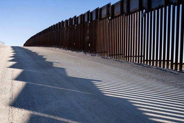 Pentágono libera USD 3.600 millones para muro