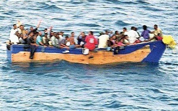 Tres personas murieron tras volcarse yola al tratar llegar ilegal a Puerto Rico