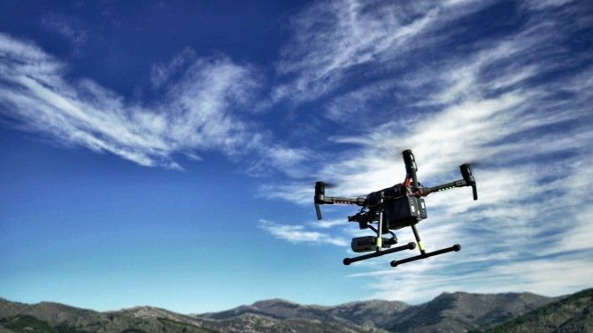 Los algoritmos que coordinan un pelotón de drones