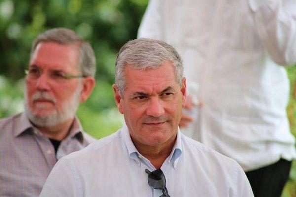 Gonzalo Castillo pide a Ética que lo investigue sobre presuntos contratos irregulares