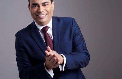 Gilberto Santa Rosa le rendirá un homenaje musical a Johnny Pacheco en Premio Lo Nuestro