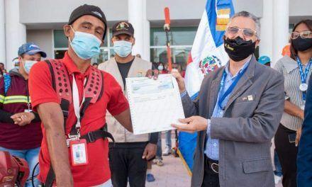 Alcalde Manuel Jiménez aumenta hasta 150% al salario empleados del Ayuntamiento