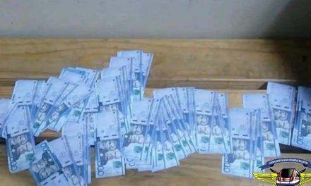 Seguridad del Metro apresa hombre que llevaba 500 mil pesos en papeletas falsas