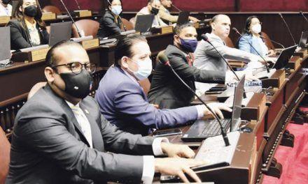 Queda en manos del Senado nombrar miembros CC y Defensor del Pueblo