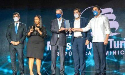Turismo presenta plataforma digital para la transparencia