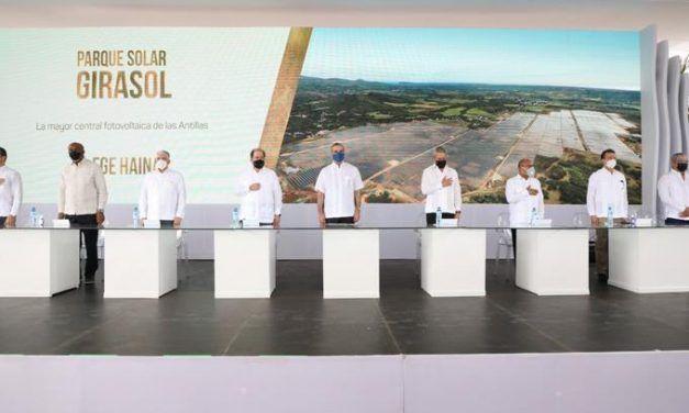 Inauguran en RD el parque solar más grande de las Antillas