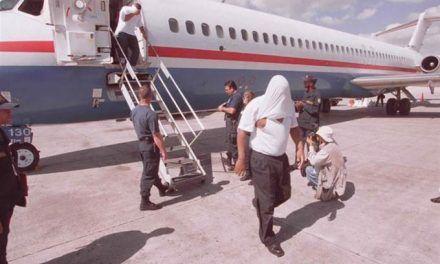 Deportan a 101 dominicanos que cumplieron condena en EEUU