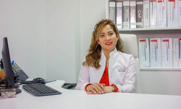 Hematóloga recomienda donar sangre 14 días después de inocularse con Sinovac o AstraZeneca