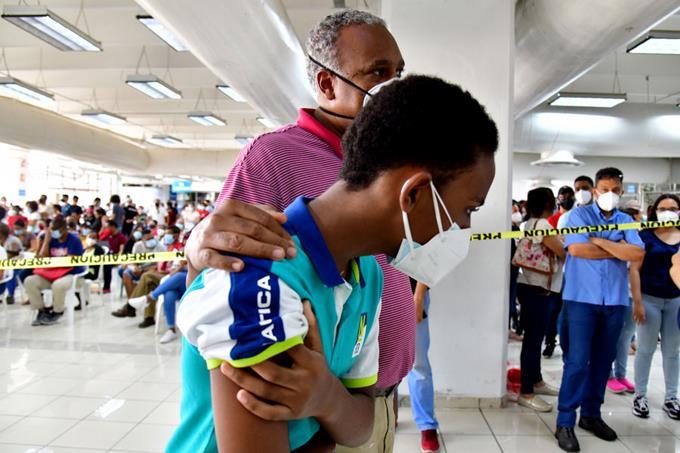Avalancha de los jóvenes detrás de la vacunación