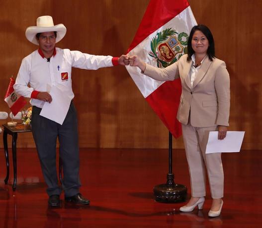 Empate estadístico en Perú, con leve ventaja para Pedro Castillo