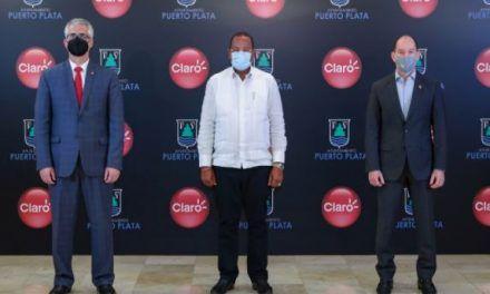 Claro y Ayuntamiento Puerto Plata firman acuerdo para desplegar fibra óptica