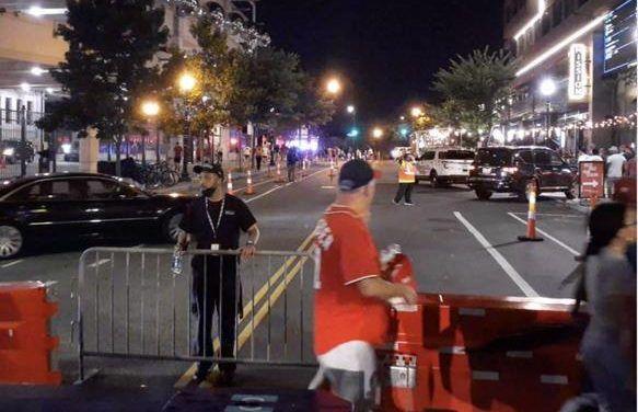 Policía: Cuatro víctimas de disparos afuera de estadio de béisbol de Washington