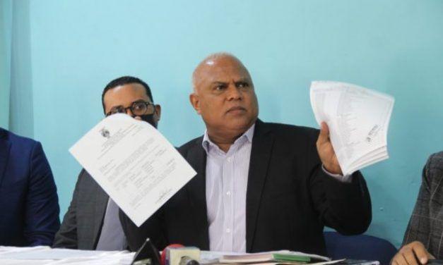 Acusan al Ayuntamiento Santo Domingo Este de destruir empresas de publicidad exterior