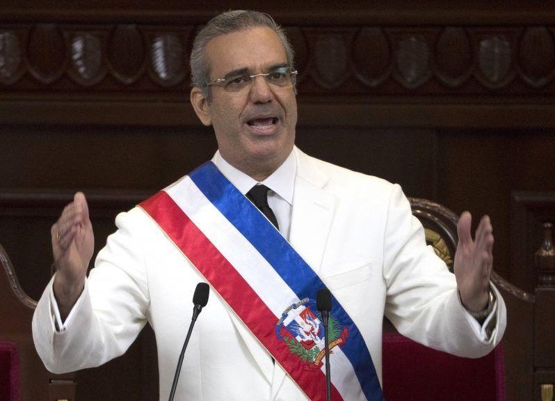 Luis Abinader el tercer presidente mejor valorado según estudio