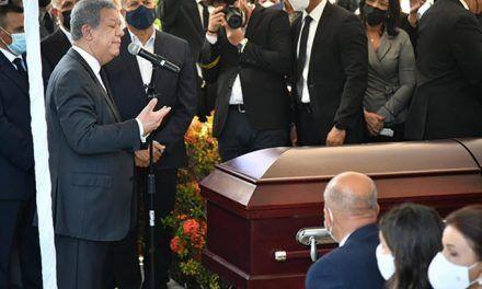 Líderes expresan pesar por muerte de madre de Leonel