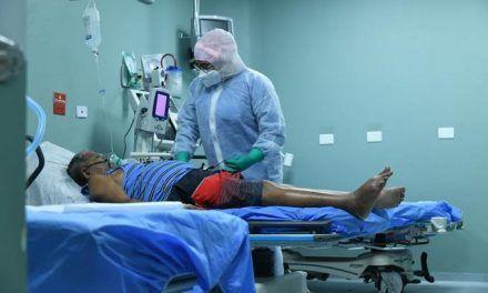 Más internos por Covid en clínicas que en hospitales