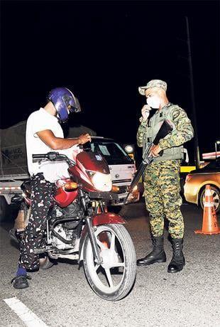 Siguen las detenciones pese a toque de queda flexible