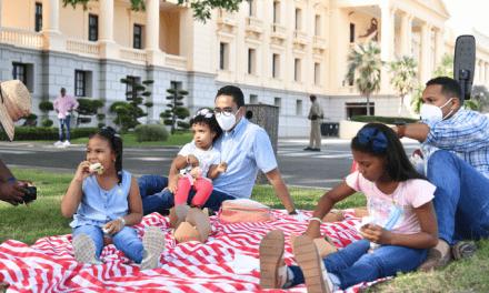 Así se vio la tarde de pícnic desde los jardines del Palacio Nacional