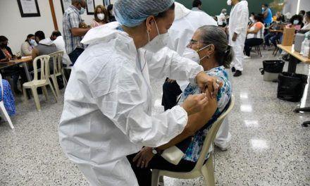 400,000 tienen la tercera dosis contra coronavirus