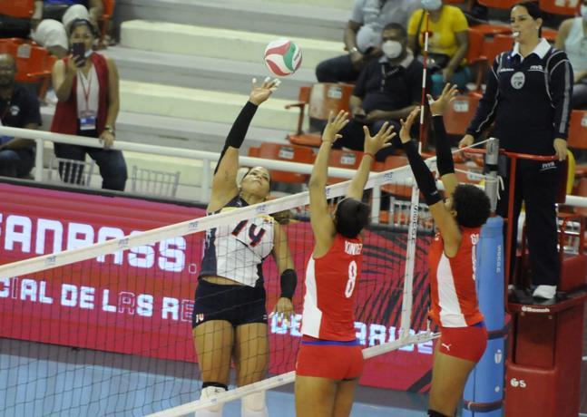 Las Reinas del Caribe vencen 3-0 a Cuba en la apertura de la Copa Panamericana