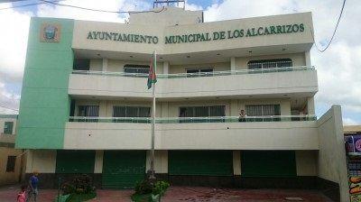 Embargan cuentas bancarias al Ayuntamiento de Los Alcarrizos