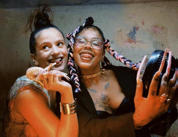 Urbanos dominicanos no le bajan a las letras explícitas