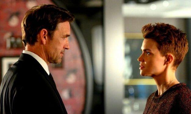 'Batwoman': Warner Bros. niega de nuevo a Ruby Rose para salir en defensa de Dougray Scott