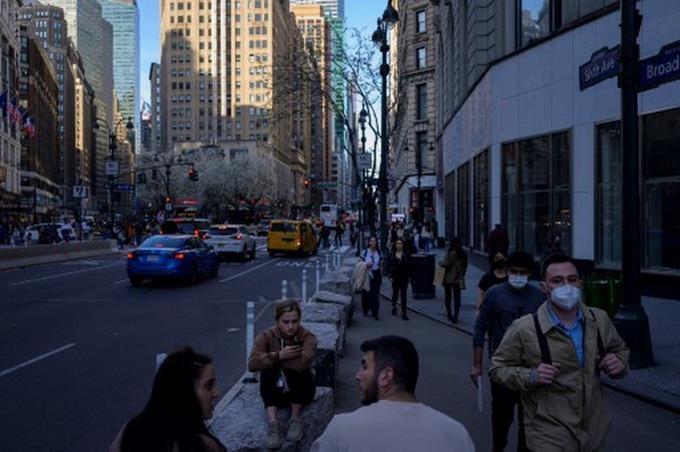 Nueva York considerará extorsión las amenazas de reportar estatus migratorio