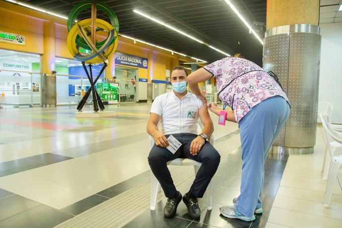 Los familiares de los enfermos apoyan la gente esté vacunada