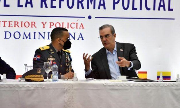 Crímenes que empujaron al mayor general Edward Sánchez fuera de la jefatura de la Policía