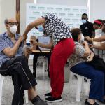 La mayoría acude a vacunarse contra el virus por primera vez
